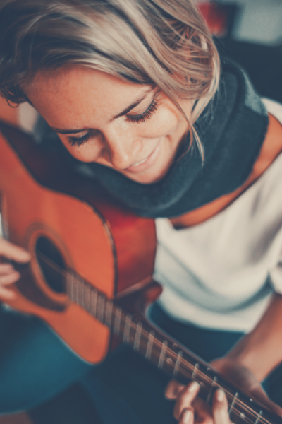 Fascinating Benefits of Playing Guitar Feature