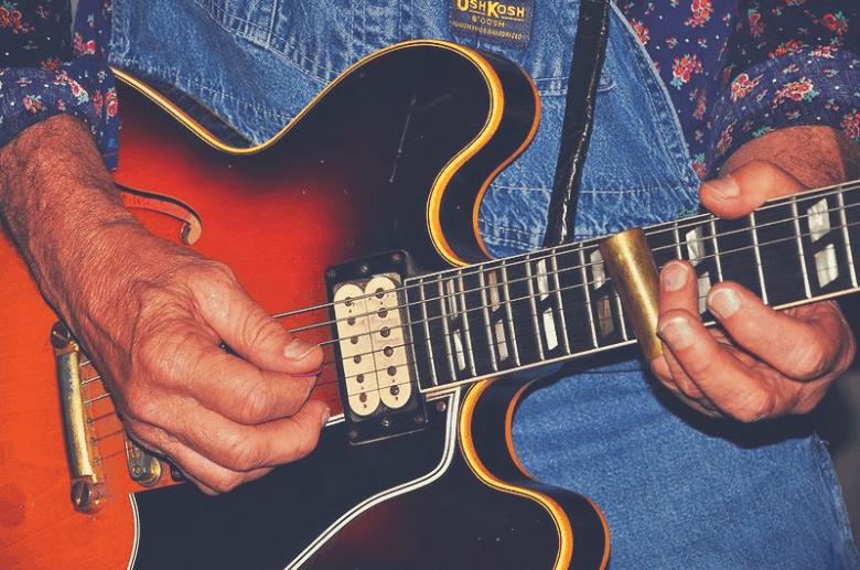 essential guitar accessories