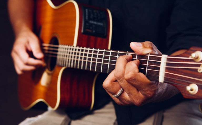 Best Guitars For Fingerstyle