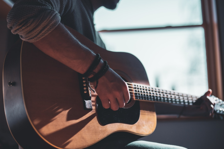 Dreadnought Vs Concert: 8 Beautiful Guitars, But What Are The Differences?