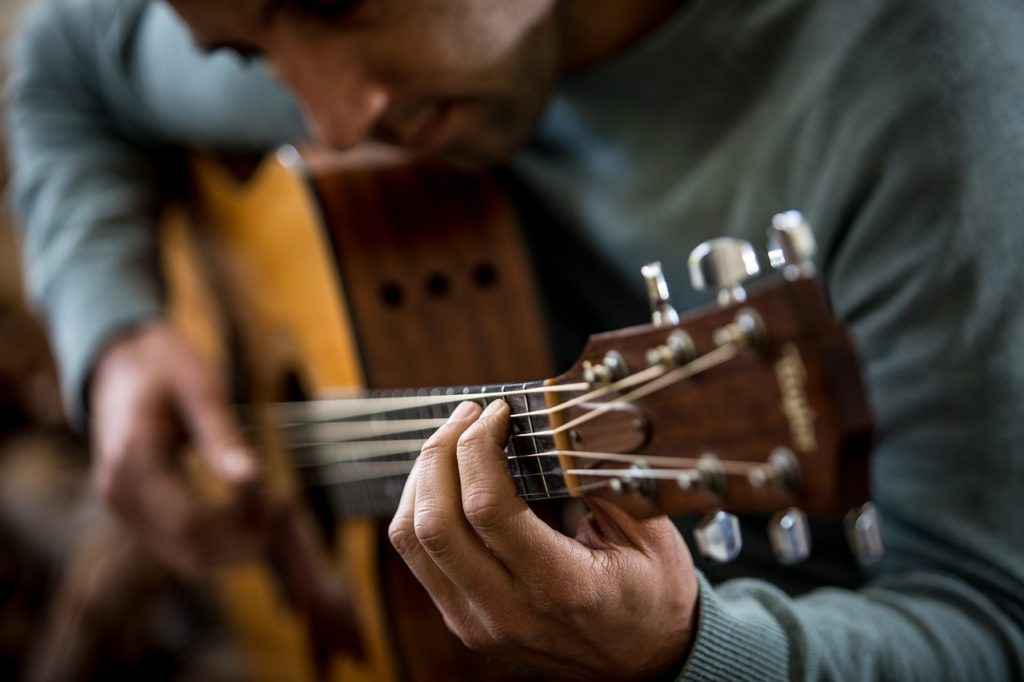 Beginner Strings Heading